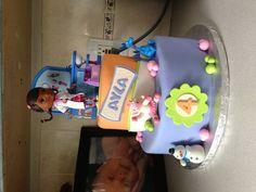 Doc McStuffins cake hmmm wonder if I can make this? 3rd Birthday Cakes, Birthday Celebration, Birthday Ideas, Doc Mcstuffins Cake, Doc Mcstuffins Birthday Party, Fondant Cakes, Cupcake Cakes, Cupcakes, Bug Cake