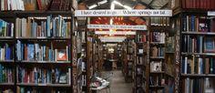 As 14 mais belas livrarias da Europa  #bibliotecadeimagens #conhecerlivraria #cookandbook #lello #lerdevagar #livrarialello #livrariamundomaior #livrariaporto #livrariaPortugal #livrarias #Livrariasdaeuropa #Livrariasmaisbonitasdomundo #maioresbibliotecasdomundo #nomesdelivrarias #Shakespeare&Company