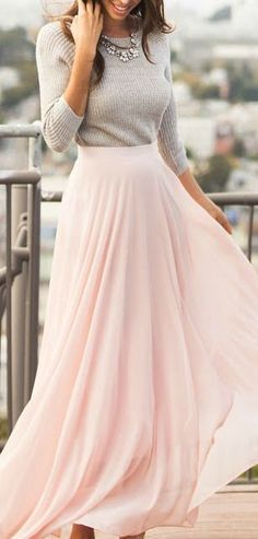 Achieve that girly look you've always wanted with this pink chiffon maxi skirt. Pair it with your layered top for a look perfect for fall. Maxi Skirt Outfits, Winter Skirt Outfit, Dress Skirt, Women's Maxi Skirts, Pink Skirts, Flowy Skirt, Maxi Dresses, Classy Fall Outfits, Cute Outfits