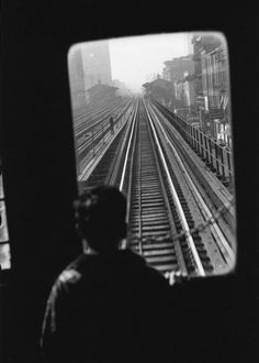 Elliot Erwitt - New York City, Third Avenue El, 1955.