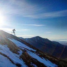 """coming down the mountain Thank you @mattshryock for some kick ass Saturday inspiration! Now go get the weekend dirtbags! #dirtbagrunners #anchorage #alaska #janesaddiction #trailrunning #skyrunning #ultrarunning #weekend #getit #getoutside #exploremore #natureisfree"