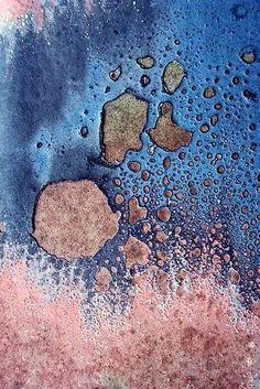 The colours. The texture. Pantone Colour (s) of the year 2016 - Rose Quartz & Serenity Textures Patterns, Color Patterns, Art Texture, Pink Texture, Motifs Textiles, Rose Quartz Serenity, Peeling Paint, Grafik Design, Color Of The Year