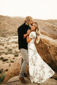 Joshua Tree Engagement Session // Joshua Tree, CA // Jenn + Mitch A super carefree, adventurous anniversary session in Joshua Tree National Park with these wild babes! Engagement Photo Dress, Engagement Photo Inspiration, Engagement Couple, Engagement Session, Engagement Photos, Country Engagement, Summer Engagement Outfits, Engagements, Winter Engagement