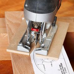 Make cleaner jigsaw cuts: Now set up the jigsaw - http://www.woodmagazine.com/woodworking-tips/techniques/sawing-solutions/jigsaw/?page=6