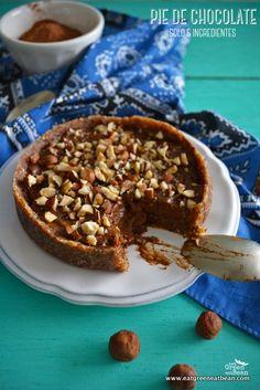PIE DE CHOCOLATE  CON 5 INGREDIENTES  Este pie va a sorprenderlos, super sencillo de hacer, sin necesidad de prender el horno y su sabor es exquisito, les va a encantar a todos!! Y claro mega saludable!!  #raw #rawvegan #crudivegana #vegana #pie #piedechocolate #piecrudivegano #cleaneating #sinlacteos #sinhuevo #singluten