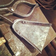 Shovel pan forged out and riveted to the handle. On to the tumbler and the…