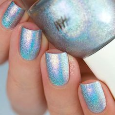 Shimmery Chrome Nail Polishes #shortnails #squarenails #holographicnails ❤️ ❤️Nail trends are always changing, and we know how difficult it is to keep up with them on your own. https://naildesignsjournal.com/top-nail-trends/ #naildesignsjournal #nails #nailart #naildesigns