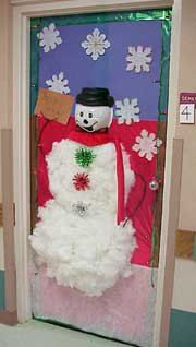 Snowman on door Christmas Door Decorating Contest, Christmas Door Decorations, Christmas Classroom Door, Christmas Holidays, Xmas, Fall Crafts, Holiday Crafts, Holiday Decor, Snowman Door