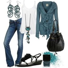 Another favorite.  Laid bake casual look but still well put together. (I'd throw in heels as the only time I wear flats is while on vacation in the summer - and even then I prefer barefoot)