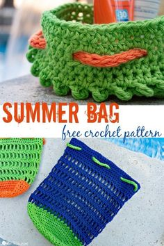 Whether you're at the pool, camping at the lake, or lucky enough to be out on a boat, you're going to have sunscreen, bug spray, goggles, towels, and who knows what else. Whip up something to carry it all in with this free Summer Bag Crochet Pattern! Bag Crochet, Crochet Clutch, Crochet Purses, Crochet Crafts, Free Crochet, Crochet Projects, Crochet Summer, Crotchet, Yarn Crafts