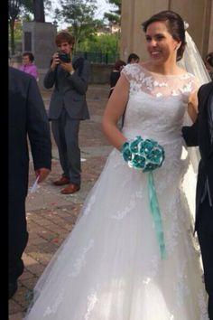 Bouquet en esmeralda de flores de tela y cristal .Por siempre jamás.Algodón de Luna algodondeluna@gmail.com o 606619349