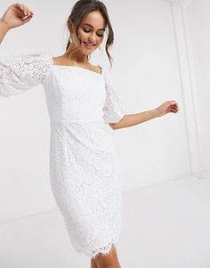 Little White dresses for brides in lace, sparkle, and sleek silhouettes. As couples turn to more intimate gatherings or even to elopements, short wedding dresses are gaining popularity. We've put together a shoppable guide of the best short wedding dresses you can buy online! #gws #greenweddingshoes #littlewhitedresses #shortweddingdresses Fringe Wedding Dress, Maxi Dress Wedding, Wedding Dress Sleeves, Wedding Dress Styles, Lace Dress, Dresses With Sleeves, Tulip Dress, Princess Ball Gowns, Column Dress
