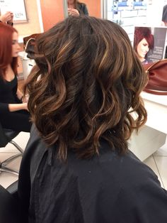 Cute short bob with texture & curls by me