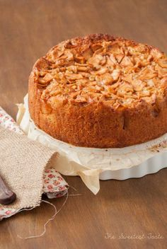 The Sweetest Taste: Bizcocho de manzana / Apple pound cake