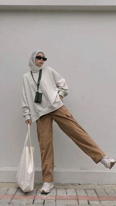 Hijab Fashion Summer, Modest Fashion Hijab, Modern Hijab Fashion, Street Hijab Fashion, Hijab Fashion Inspiration, Winter Fashion Outfits, Muslim Fashion, Korean Outfit Street Styles, Ootd Hijab