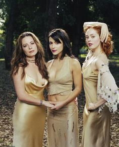 Charmed 2013 Update Photo Gallery – Alyssa Milano, Holly Marie Combs, Shannen Doherty, Rose McGowan and Kaley Cuoco Holly Marie Combs, Serie Charmed, Charmed Tv Show, Rose Mcgowan, Coiba, Kaley Cuoco, Supergirl, Batgirl, Alyssa Milano Charmed