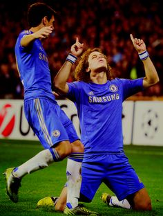 David Luiz. This is one of the main reasons why he is my favorite player on the Brazil National Team. He praises GOD.
