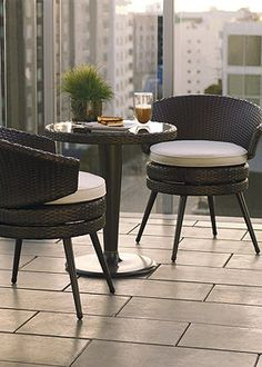 Small balcony furniture on pinterest balcony furniture for Balcony seating