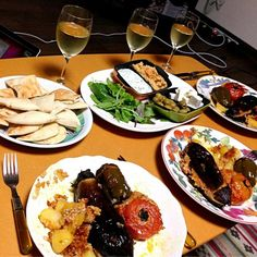 ギリシャ人のお友達がディナーを作ってくれました(≧∇≦) - 17件のもぐもぐ - ギリシャ料理 ザジキ フムス ゲミスタ by Bear Hug