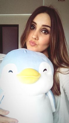 #Miniso #MinisoMexico #MiniLovers #LoveMiniso #FromJapanToTheWorld  #DulceMaría #DulceMaria Celebs, Singer, Pretty, Cute, Beautiful, Instagram, Dress Shoes, Shoes Heels, Girls Eyes