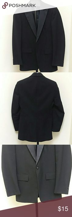 1 Button peak lapel Tuxedo Jacket VTG Single breasted peak style black one button tuxedo jacket with black lining. 100% wool. From rental stock at a tuxedo store, has been dry cleaned and ready to wear. Suits & Blazers Tuxedos