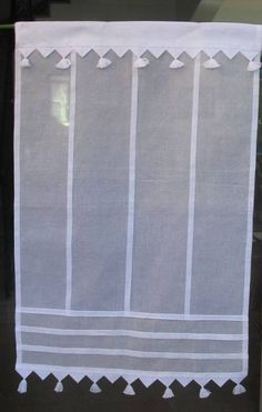 brise bise Lilie Rose Cafe Curtains, White Curtains, Curtains With Blinds, Window Curtains, Window Coverings, Window Treatments, Rideaux Shabby Chic, Shabby Chic Colors, Vintage Curtains