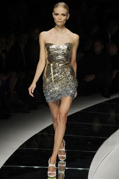 Versace | Spring 2009 Ready-to-Wear Collection | Style.com