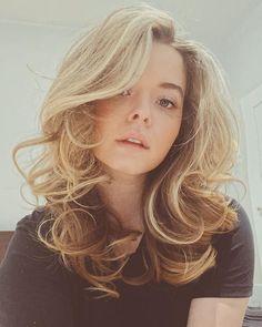 Sasha Pieterse Sasha Pieterse, Big Hair Dont Care, Pretty Little Liars, Actresses, Long Hair Styles, Celebrities, Instagram, Beauty, Pll