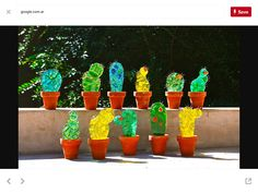 Cactus a todo color. Fused Glass Art, Mosaic Glass, Stained Glass, Glass Cactus, Glass Planter, Glass Fusion Ideas, Glass Fusing Projects, Kiln Formed Glass, Fire Glass