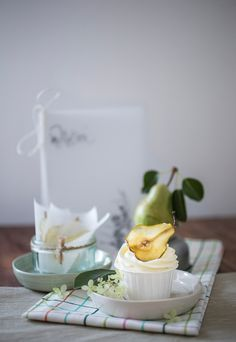 Pear Cupcakes with pear chips