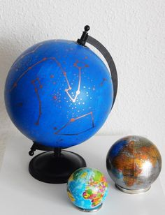 DIY : Un globe à constellations Constellations, Globe, Big Girl Rooms, Inspiration, Sweet Night, Classic, Biblical Inspiration, Speech Balloon, Star Constellations