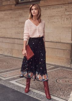 Chic casual casual look (casual chic) Sézane woman autumn / winter skirt . - - Chic casual casual look (casual chic) Sézane woman autumn / winter skirt – Bettina skirt – Hela Daghfous – Source by Look Casual Chic, Look Boho Chic, Casual Chique, Casual Looks, Trendy Style, Mode Outfits, Skirt Outfits, Fall Outfits, Casual Outfits
