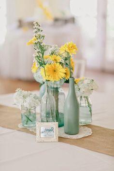 1000 images about manualidades con botellas y frascos on pinterest mesas pintura and bodas - Centros de mesa para boda economicos y elegantes ...