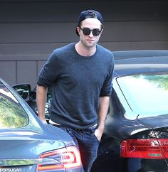 Robert Pattinson Estaria Na Disputa Para Viver Christian Grey