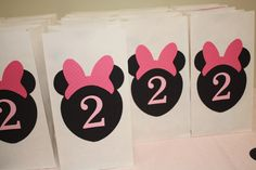 Minnie Mouse birthday party loot bags.