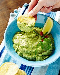 Maissilastut ja guacamole ovat kiva iltapala.