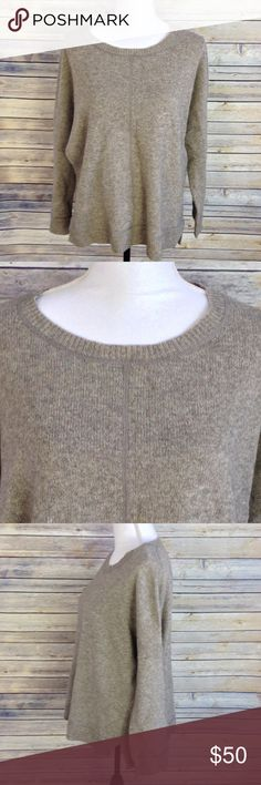 """Vince Crewneck Boxy Sweater Vince crewneck pullover long sleeve sweater with center seam in heathered gray & beige. Boxy, oversized fit. Size Medium.  Gently used condition. Fabric/care tag has been cut out. According to another listing of the same sweater, this is a wool/yak blend.  Measurements while laid flat: Armpit to armpit: 28"""" Armpit to end of sleeve: 15"""" Back shoulder to bottom hem: 25""""  (Inventory E) Vince Sweaters Crew & Scoop Necks"""