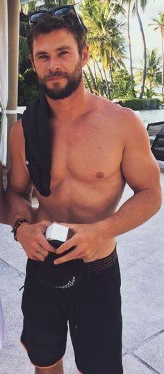 🔥Chris Hemsworth is my inspiration, my motivation, and my hero🔥 Chris Evans, Chris Pratt, Liam Hemsworth, Hemsworth Brothers, Age Of Ultron, Die Rächer, Z Cam, Hommes Sexy, Hot Actors