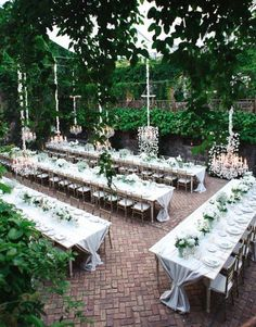 How to seat guests at a wedding reception Harry Potter style. Hawaii wedding venue | Haiku Mill.