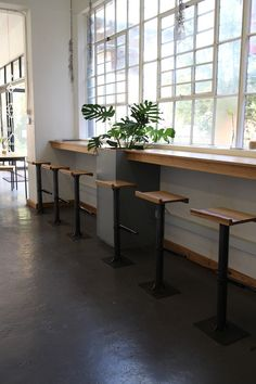 New Ideas For Modern Cafe Seating Benches Cafe Bench, Cafe Seating, Booth Seating, Office Seating, Floor Seating, Storage Bench Seating, Corner Seating, Cafe Window, Modern Cafe