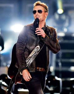 Country Music Artists, Country Music Stars, Country Singers, Eric Church Chief, Breathe In The Air, Singing Tips, Singing Quotes, Singing Lessons, Church Pictures