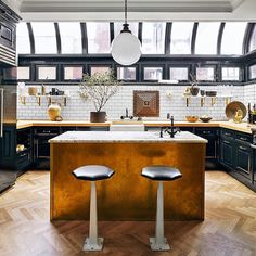 """""""A complete dream kitchen. This would be so sick to wake up to everyday! Great job @nateberkus. // Don't forget to enter the GIVEAWAY I have going on on my…"""""""