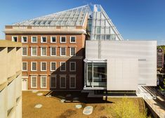 Renzo Piano reconfigures Harvard Art Museums around a grand courtyard atrium.