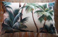 Coussins rétro cool faite en reproduction Hawaiian écorce de 1960. Cette conception est un de mes préférés avec les palmiers ayant un fond