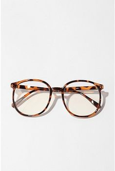d9fd338f97 i ve always wished i could pull off glasses like these. maybe soon.