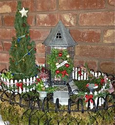 Two Green Thumbs Annual Miniature Garden Contest, 2012