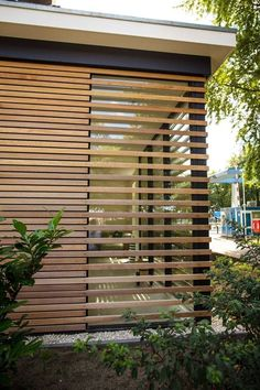 By Annarchi Annarchi fassade is part of Architecture house - Backyard Fences, Backyard Landscaping, Diy Fence, Fence Ideas, Fence Gate, Garden Fencing, Garden Gate, Wood Architecture, Architecture Details