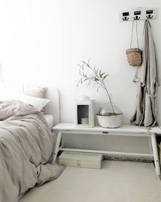 B E D R O om Cozy Living Spaces, Living Room Decor, Home Bedroom, Bedroom Decor, Bedroom Ideas, Simple Interior, Home Trends, White Rooms, Beautiful Bedrooms