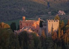Sunset Tour of the Brolio Castle in Tuscany Italy Malta Beaches, Cities In Italy, Fairytale Castle, Walled City, Beautiful Sunrise, Like A Local, Tuscany Italy, Siena, Where To Go