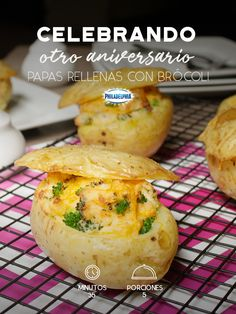 Potatoes stuffed with broccoli – # broccoli # with # potatoes # stuffed – Potatoes stuffed with … - Modern Helathy Food, Sin Gluten, Broccoli, Cupcake Cakes, Vegetarian Recipes, Food Porn, Food And Drink, Veggies, Appetizers